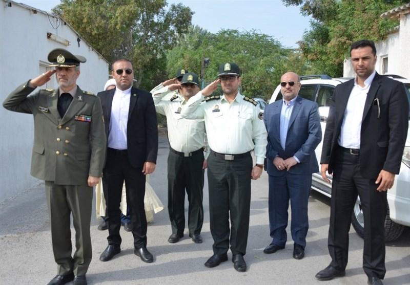 بازدید وزیر دفاع از مراکز نظامی و انتظامی منطقه آزاد کیش+تصاویر