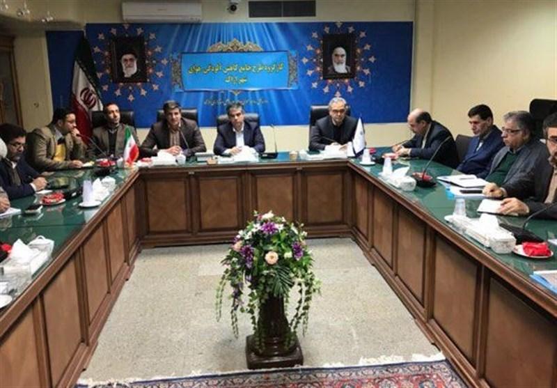 سوخت پاک در استان مرکزی توزیع میشود؛ کاهش 19 درصدی روزهای ناسالم استان مرکزی