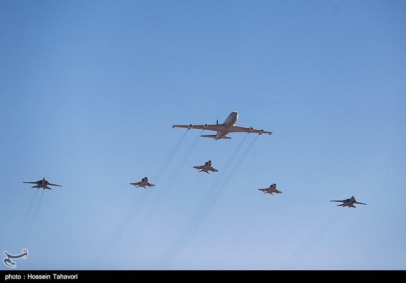 """جنگندههای ارتش در ارتفاع پست از تانکر 707 """"سوختگیری"""" کردند"""