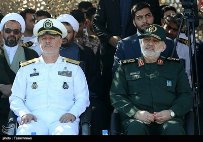 انضمام غواصتین من طراز غدیر الى القوات البحریة للجیش الإیرانی