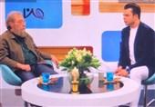 عملکرد غیرحرفهای مجری برنامه «من و شما» در مصاحبه زنده با مسعود فراستی+فیلم