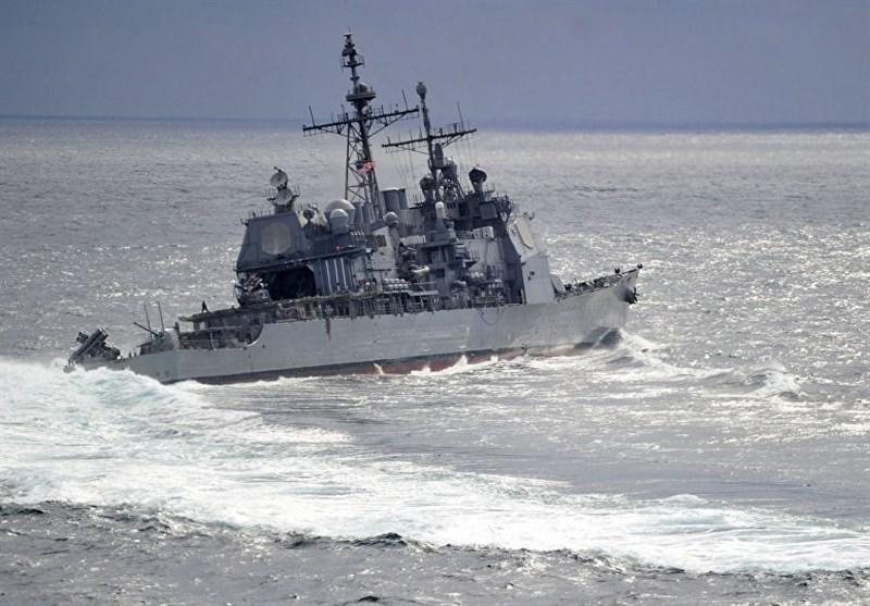 چین برای بیرون راندن ناو آمریکایی کشتی جنگی اعزام کرد