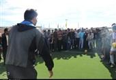 کرمان| افتتاح زمین ورزشی خیرساز در روستایی که هیچ امکانات ورزشی نداشت به روایت تصویر