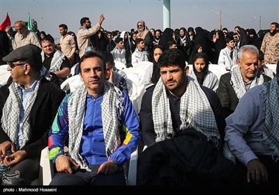 علیرضا کریمی قهرمان کشتی در اردوی راهیان نور کاروان فرهنگی، ورزشی مدال آوران کشور