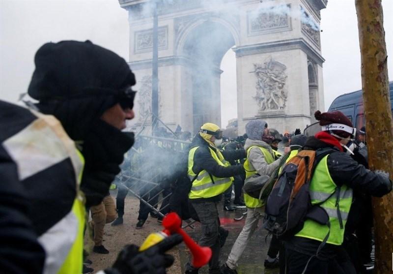 زیباترین خیابان جهان در آتش پاریسیها/چرا فرانسه در لکه زرد و قرمز سفر گردشگران قرار نمیگیرد