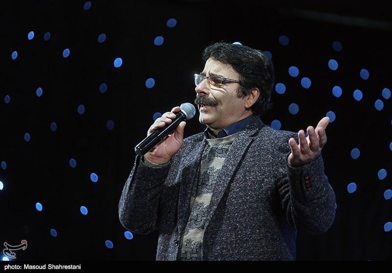 خوانندگی علیرضا افتخاری در اولین گردهمایی فعالان فضای مجازی بسیج