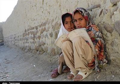 """آموزش مجازی بلای جان دانش آموزان روستایی/ دانش آموزان """"چاهان"""" بلوچستان اینترنت ندارند"""