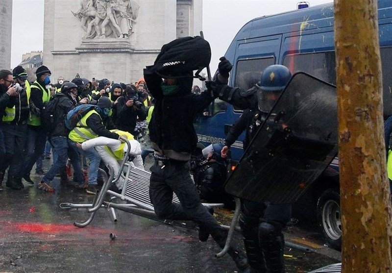 Yellow Vests Protesters Rallying for 5th Consecutive Weekend in Paris (+Video)