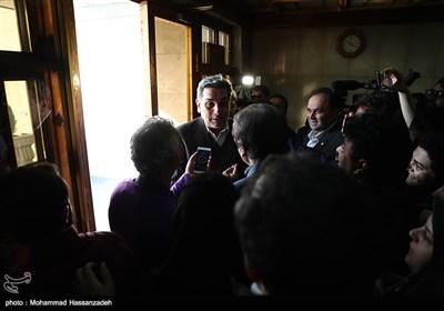 پیروز حناچی شهردار تهران در پایان مراسم ادای سوگند در شورای شهر تهران
