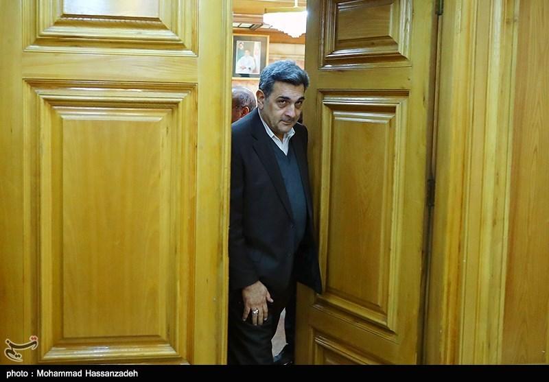 ورود پیروز حناچی شهردار تهران به مراسم ادای سوگند در شورای شهر تهران