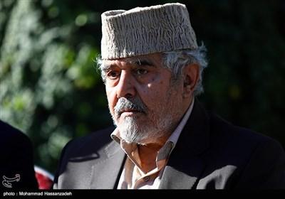 علی انسانی در مراسم تشییع پیکر مرحوم زرویی نصرآباد