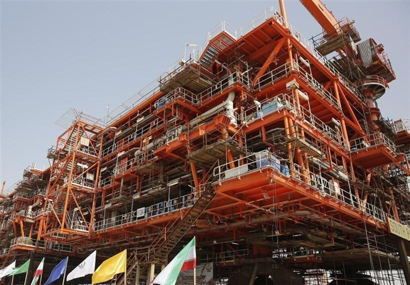 Gigantic Offshore Platform Held in Place in Iran's South Pars