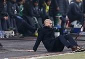فوتبال جهان|التماس سرمربی صربستانی برای 2 دقیقه وقت اضافه بیشتر! + عکس