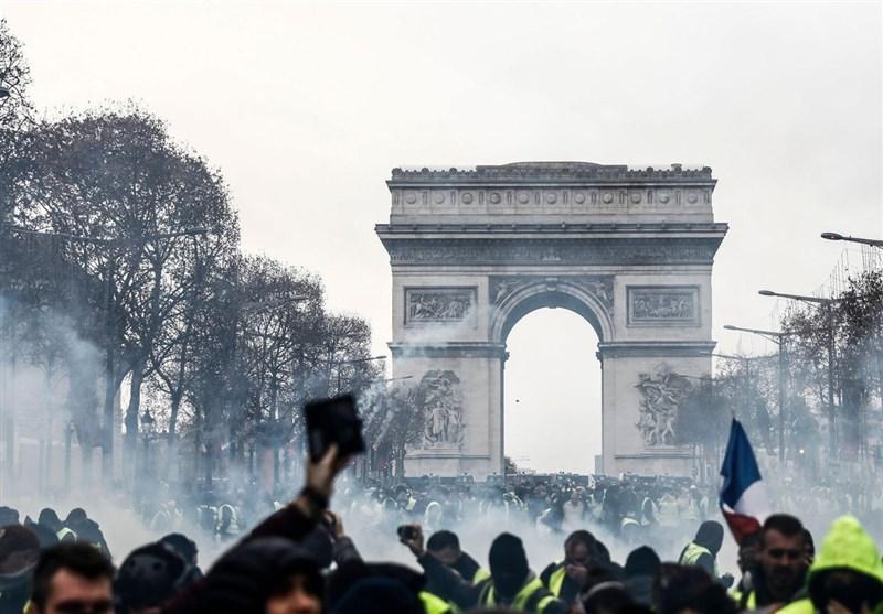 تظاهرات ضددولتی فرانسه، پاریس را غرق در دود و آتش کرد + تصاویر