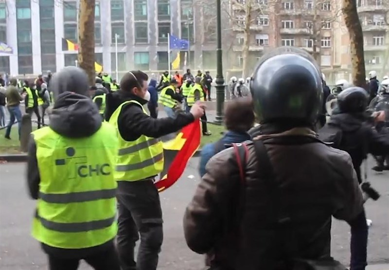 Yellow West Protests Merge with Chaos in Brussels (+Videos)