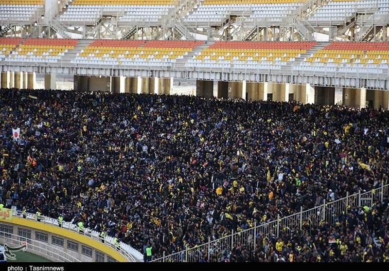 اصفهان| ورزشگاه نقشجهان در حال انفجار؛ پرچم ژاپن به نقشجهان رسید
