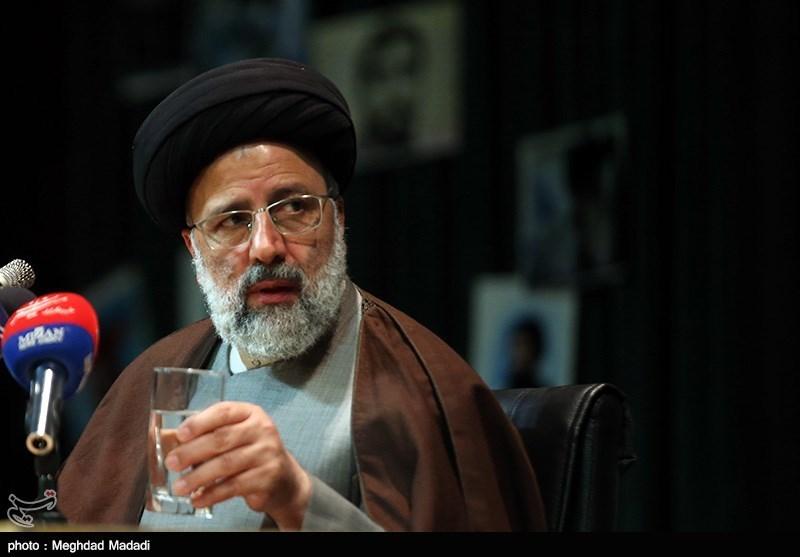 حجتالاسلام رئیسی: برخی دنبال تطهیر رژیم پهلوی هستند؛ جوانان جنگ را ندیدند و از بسیاری از فتنهها بیخبرند