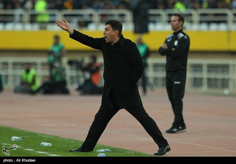 قلعهنویی: فغانی قلدرخان فوتبال ایران شده، جام جهانی رفتی که رفتی!/ 15 تیم برای یک جام بازی میکنند، پرسپولیس هم برای یک جام!
