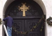 Iranian Christians Prepare for Christmas in Tehran by Decorating Cathedral (+Video)