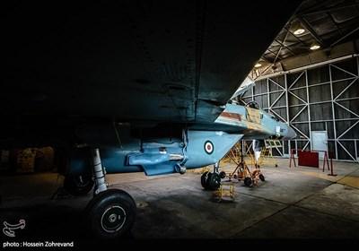 این جنگنده که در ناتو با نام فالکروم مشهور است، دارای طول بال 11.36 متر، مساحت بال 54.49 متر است. طول این جنگنده 19.1 متر است و برد پروازی آن 3220 متر است