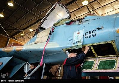 باز بینی قسمت راداری میگ 29 توسط سرهنگ بازنشسته پاشاخانلو.الکترونیک جنگنده میگ -29 شامل بخشهای مختلفی است. این بخشها عبارتند از رادار، ناوبری، اسلحه، اتوپایلوت، آلات دقیق و FDR که تمام پروژههای پرواز را ثبت و ضبط میکند.
