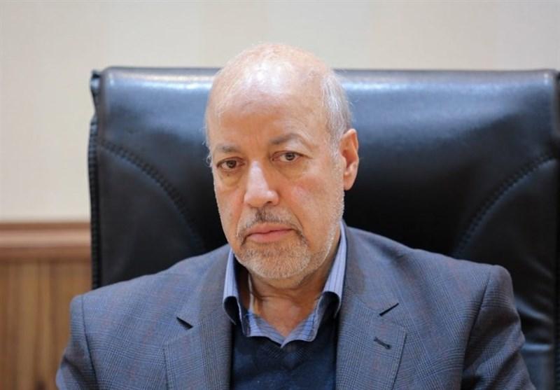 استاندار اصفهان: کدام عقلی میگوید پز جاری شدن آب را بدهیم اما تابستان تشنه باشیم