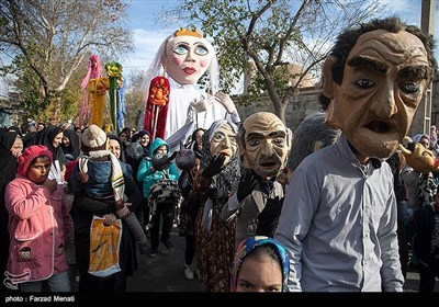 شادپیمایی عروسکها در کنگاور - کرمانشاه