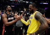 لیگ NBA| پیروزی لیکرز با درخشش جیمز/ تشویق وید در حضور دنزل واشنگتن و کوین کاستنر