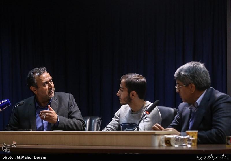 مناظره محمدعلی وکیلی، عضو هیئت رئیسه مجلس شورای اسلامی و محمد دهقان، عضو کمیسیون حقوقی مجلس