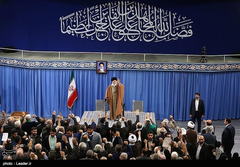دیدار جمعی از خانوادههای شهدای دفاع مقدس و مدافع حرم با رهبر معظم انقلاب