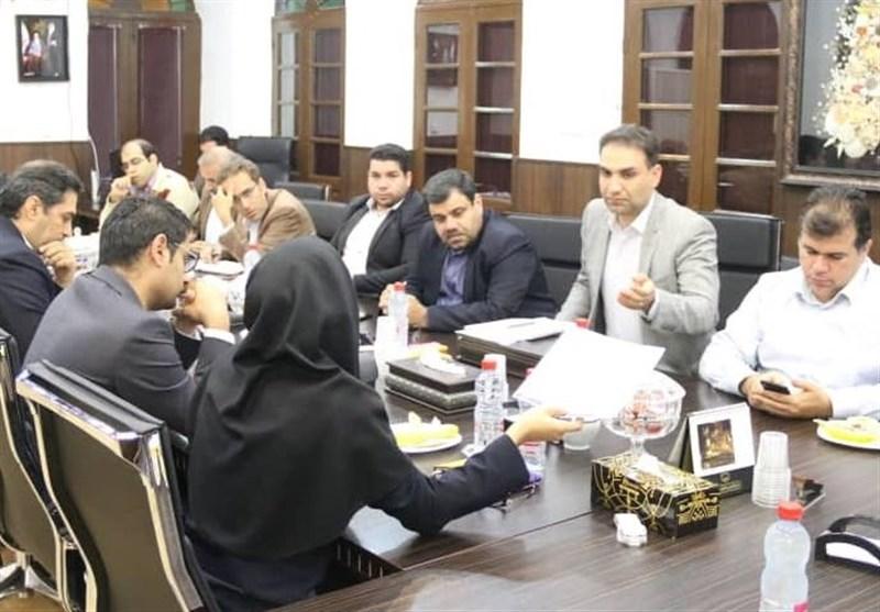 رئیس کمیسیون فرهنگی شورای بوشهر: تیم فوتبال شاهین را تنها نمیگذاریم