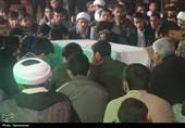 ادای احترام جوانان خوزستانی به 72 شهید دفاع مقدس در اهواز