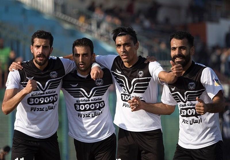 لیگ دسته اول فوتبال| تداوم صدرنشینی گلگهر سیرجان و شکست عجیب سرخپوشان/ آلومینیوم در باتلاق انزلی گرفتار شد