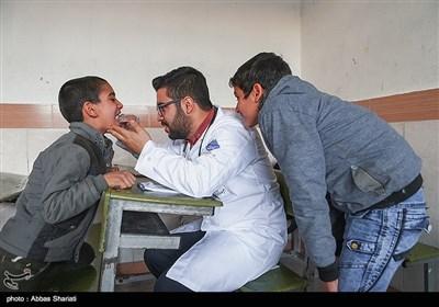 ویزیت عمومی و تخصصی مراجعین در پایگاه خدمات اجتماعی و پزشکی جمعیت فراگیر زندگی خوب ویژه کودکان کار تحت پوشش در استان البرز