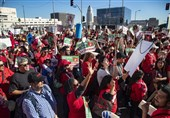 Thousands of US Teachers March through LA Demanding Pay Raise ahead of Possible Strike (+Video)
