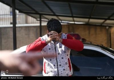 دستگیری سارق باطری و تحویل باطری های مکشوفه به مالباختهگان