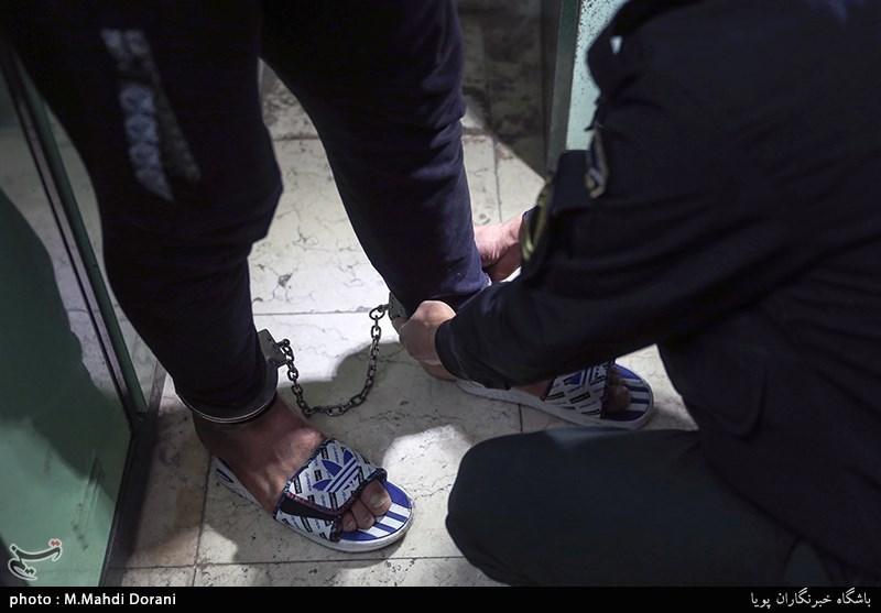 تهران| تخریب شیشه بانک با اسلحه و اسیدپاشی روی خودروهای لوکس
