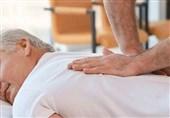 """سرعت دوچندان درمان بیماران با استفاده از """"غمز و دلک ایرانی""""/ نوازش بدن بیمار با 8000 حرکت دست"""