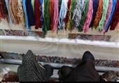 قالیبافان آران و بیدگل 90 تخته فرش برای حرم امام علی (ع) می بافند+فیلم
