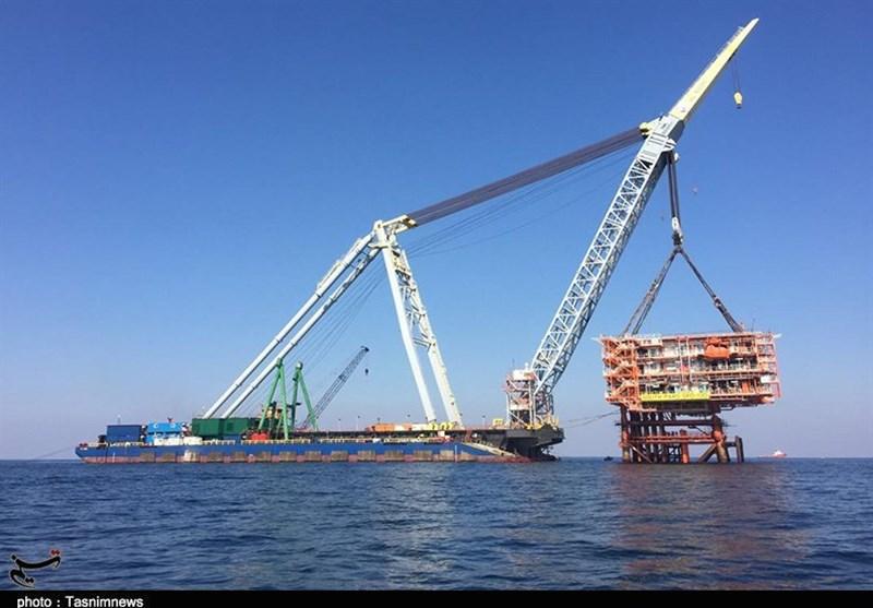 نصب دومین سکوی گازی فاز 13 پارس جنوبی در آبهای خلیج فارس+ تصاویر