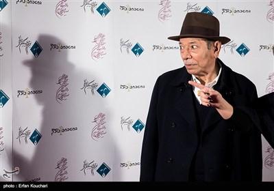 علی نصیریان بازیگر پیشکسوت در دوازدهمین جشن منتقدان و نویسندگان سینما