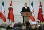 أردوغان: العقوبات الأمریکیة ضد إیران تعرض المنطقة للخطر