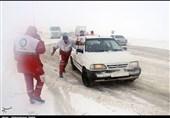 29 محور کوهستانی کشور درگیر برف و کولاک/ امدادرسانی به 1264 مسافر گرفتار شده