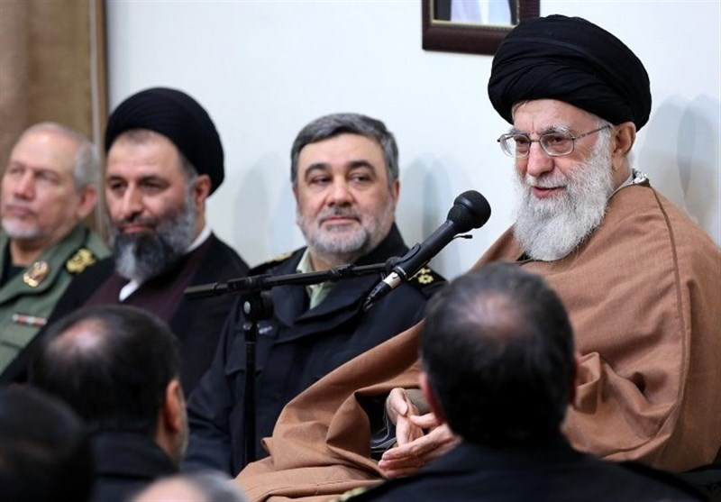 قائد الثورة: یجب أن یکون اداء قوات الشرطة متسما بالحکمة وان یخلق الثقة لدى ابناء الشعب