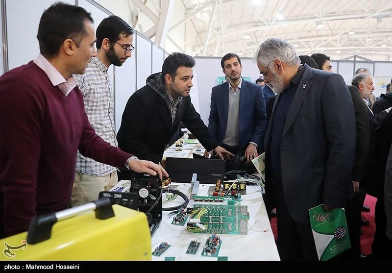 افتتاح نمایشگاه فناوری و پژوهشی دانشگاه آزاد