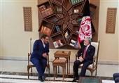 شمخانی در دیدار با عبدالله: ایران از روند صلح در افغانستان حمایت میکند