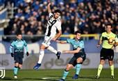 فوتبال جهان  یوونتوس 10 نفره با گل رونالدو از شکست در خانه آتالانتا گریخت