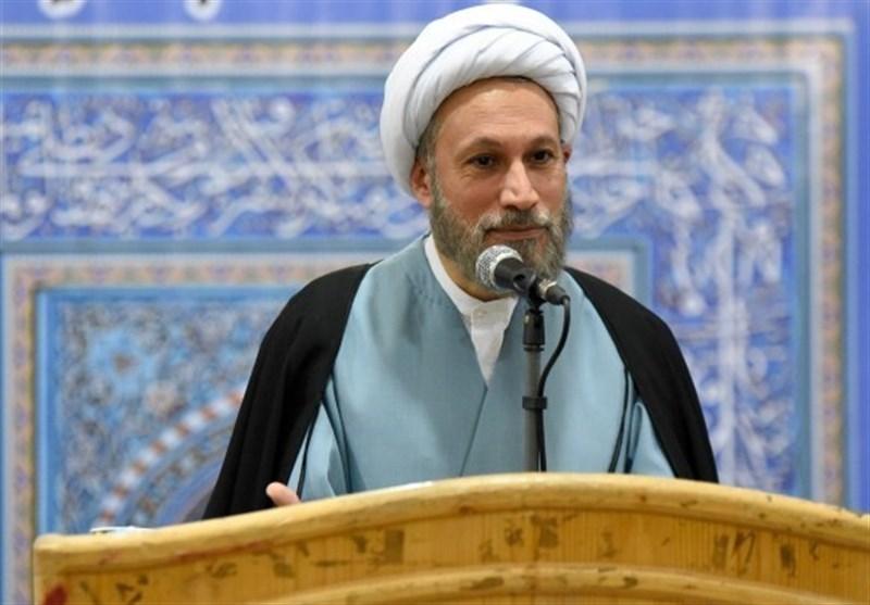 امام جمعه شیراز: با تمام وجود فشارهای اقتصادی را حس میکنم؛ دستورالعمل معنا ندارد