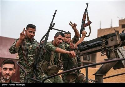 نیروهای دفاع وطنی سوریه در شهر ابوکمال استان دیرالزور سوریه