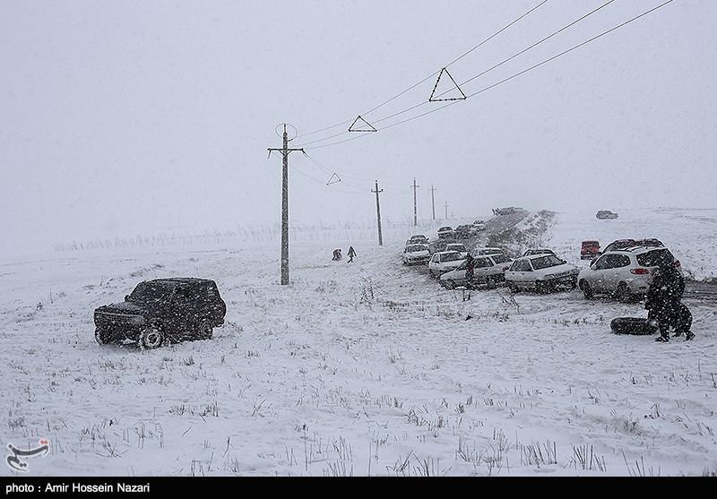 آخرین وضعیت ترافیکی، جوی و محدودیتهای تردد جادههای کشور/بارش برف در 8 استان